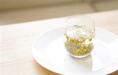 桂花龙井茶-正是桂花最香时 只闻不吃太可惜